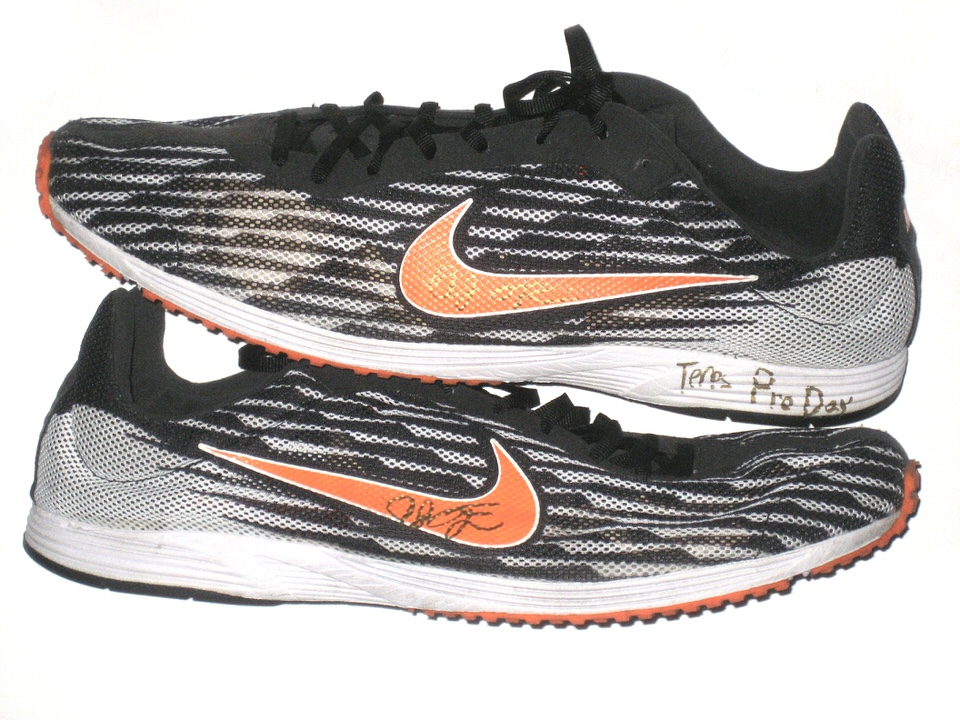 AJ Francis Maryland Terrapins 2013 NFL Pro Day Worn & Signed Nike Zoom  Streak LT Shoes