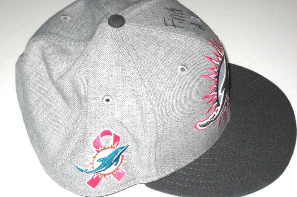 67fe308fce0 ... Miami Dolphins Breast Cancer Awareness New Era 59Fifty Cap AJ ...
