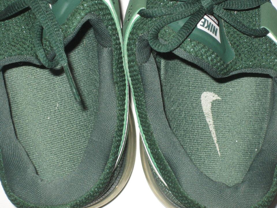 e5f4451b887 ... Darien Harris Michigan State Spartans Signed White   Green Nike  Fingertrap Air Max Travel Shoes ...