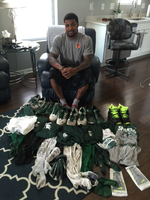 0328cc89b ... Darien Harris with Michigan State Spartans Training Worn   Signed Black    Neon Green Nike Sneakers