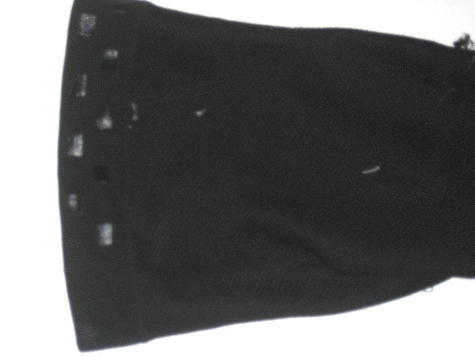 b7237a8a4a Andrew Adams New York Giants Signed Black Incrediwear Knee Sleeve - Worn  Around Team Facility!