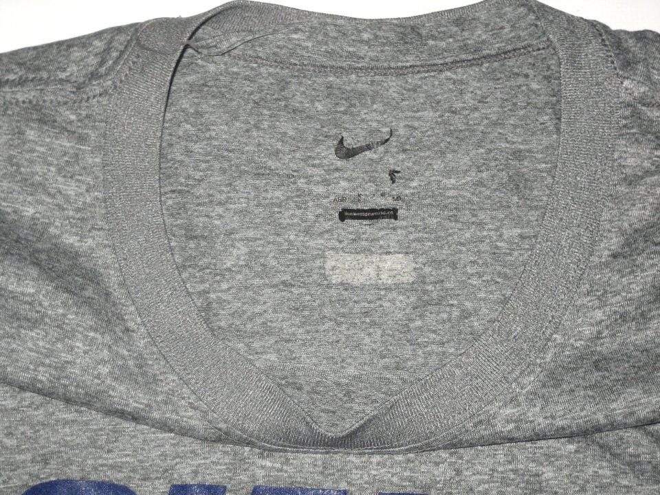 ... Kerry Wynn Training Worn   Signed Gray New York Giants Long Sleeve Nike  Shirt ... f04a98cc4