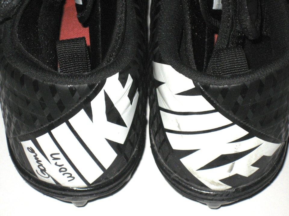 970033227 ... McIntyre New York Jets Game Worn   Signed Black   Silver Nike Superbad  Pro Cleats Garrett ...